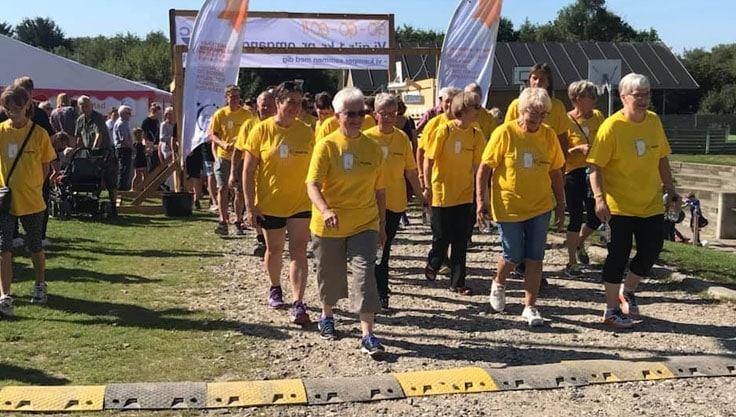 Fighters i gule trøjer