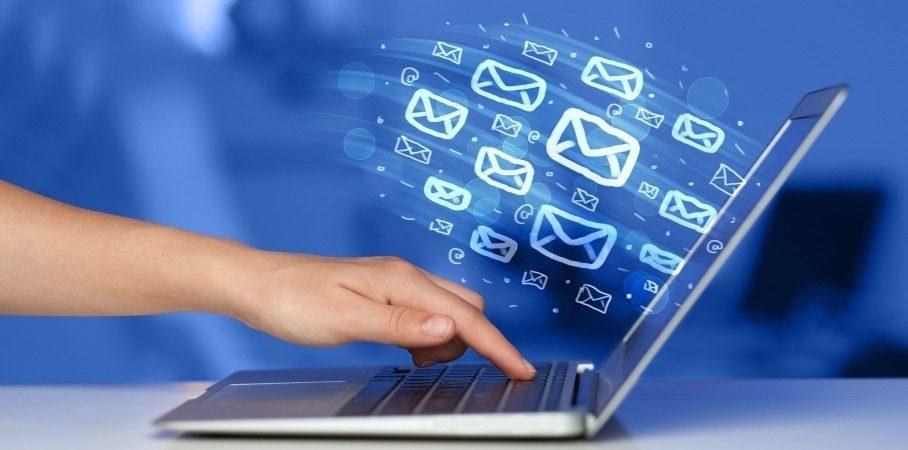 Send e-mails uden at være på kant med loven